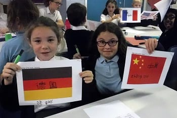 Upton Junior School learns Mandarin